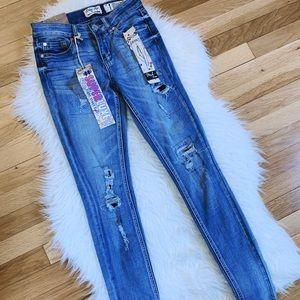 NWT Indigo Rein Midrise Ankle Jeans